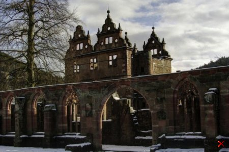 Монастырь 15 века в Черной крепости в Германии