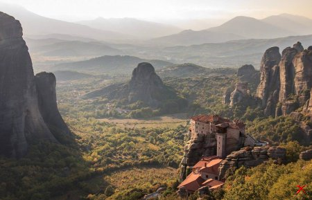Один из монастырей Метеоры , Греция