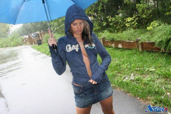 Ann Angel под дождем.. (много фото для взрослых)